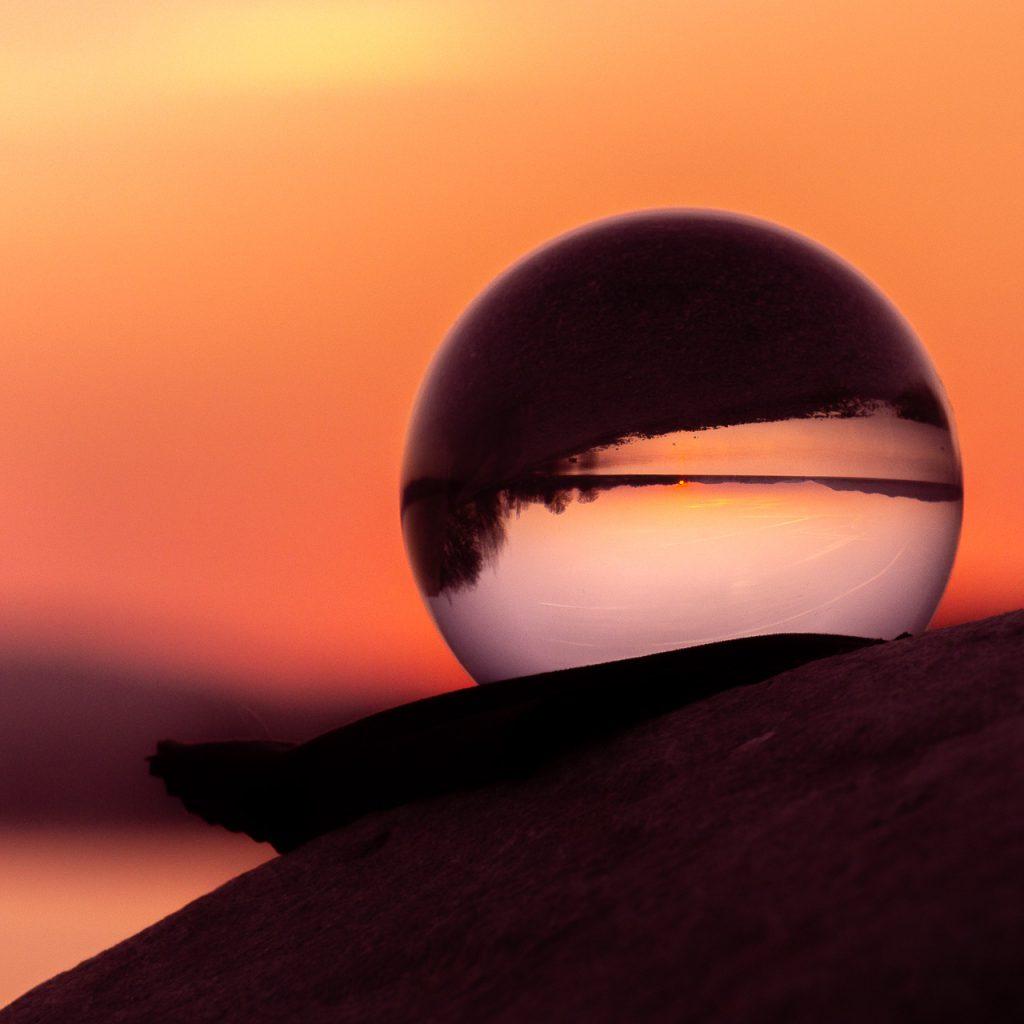 Bodensee in der Glaskugel Sonnenuntergang